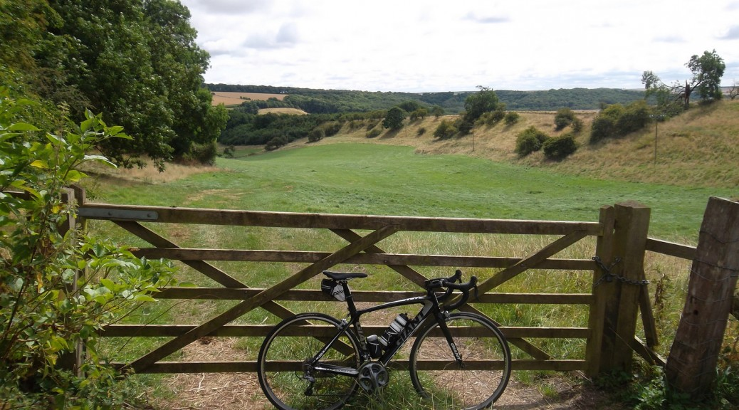 yorkshire-wolds-cycle-route-settington-bank-1600px